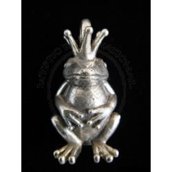 king froggie pendant