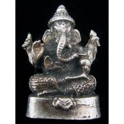 ganesha statue cum pendant
